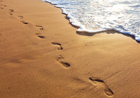 footprintsinthesand